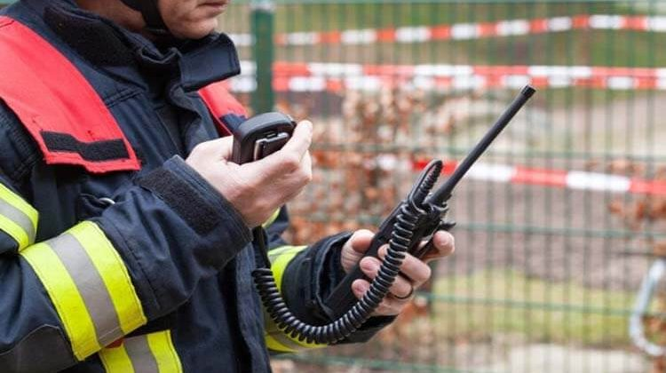 Dual Band Two Way Radios To Stay Connected