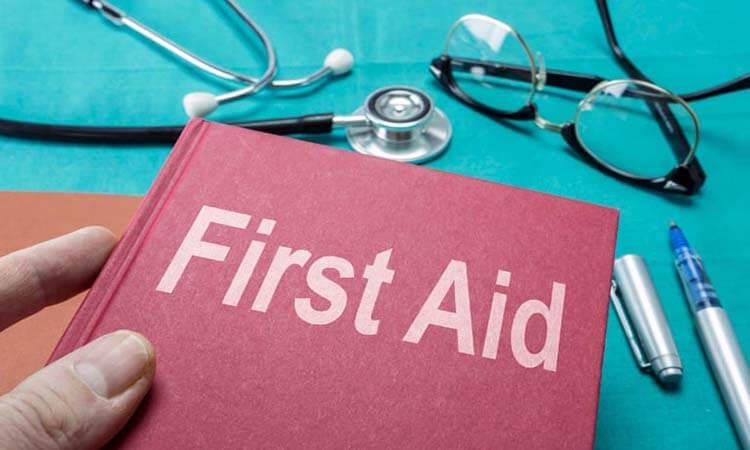 The 7 Best First Aid Books Every Prepper Should Have